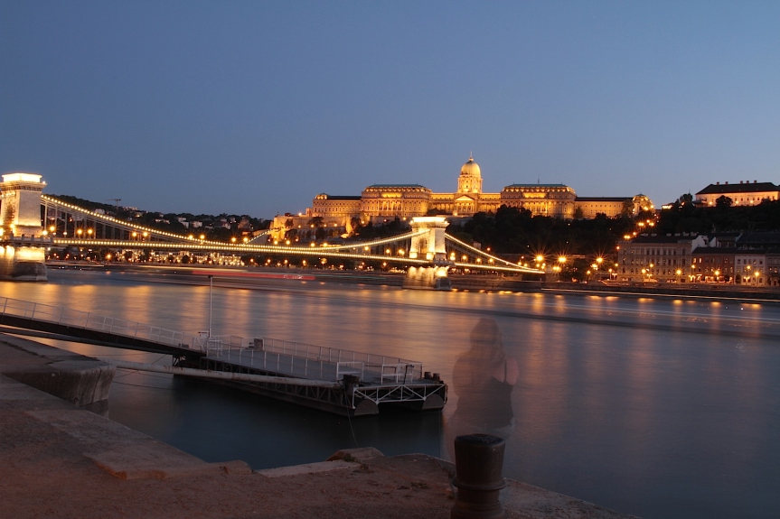 The Budapest bridge and castle at night