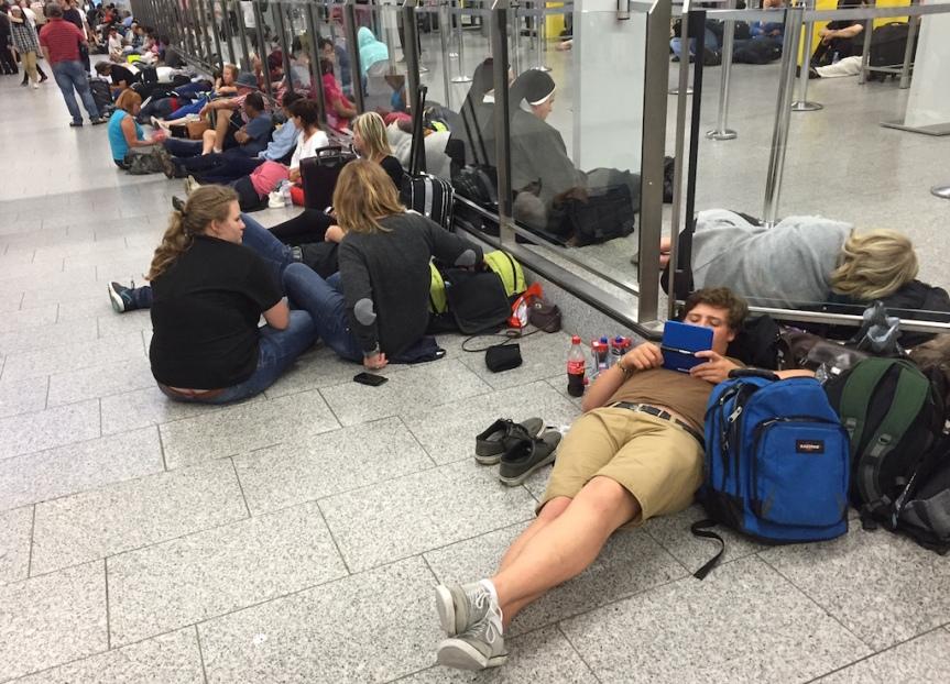 Flight LH572 July 22, 2016 : An uglystory